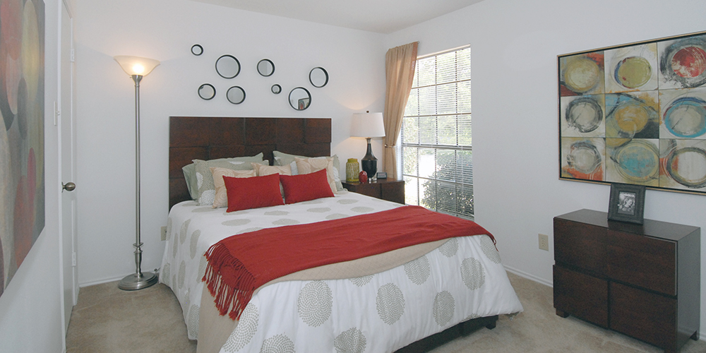Bedroom at Listing #136445