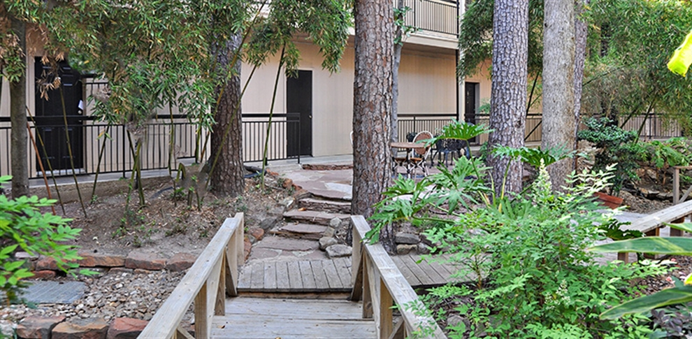 Exterior at Listing #138838