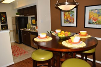 Dining/Kitchen at Listing #138526