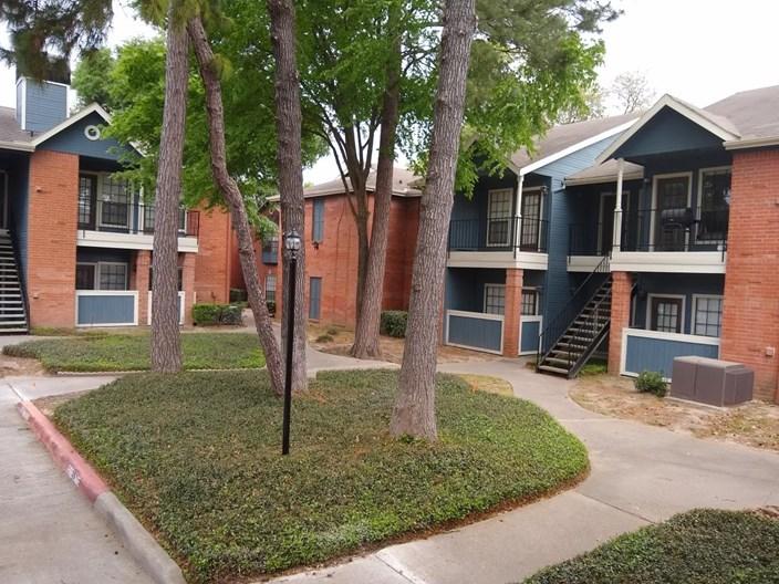 Redford Park Apartments