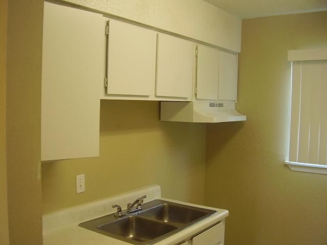 Kitchen at Listing #140903