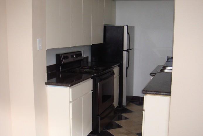 Kitchen at Listing #139634