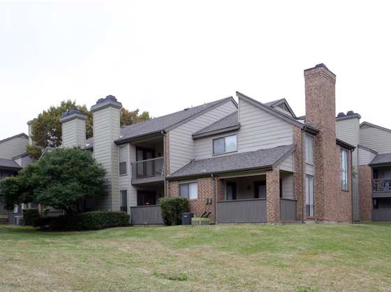 Chisholm Place at Listing #135718