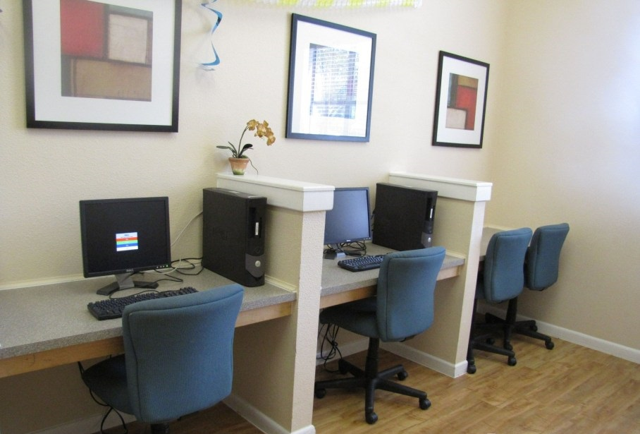 Business Center at Listing #144500
