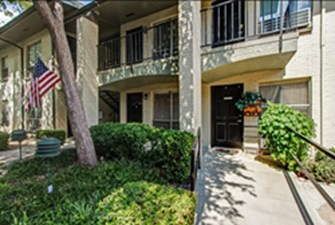 Exterior at Listing #144576