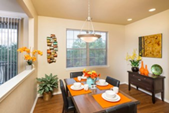 Dining at Listing #144162
