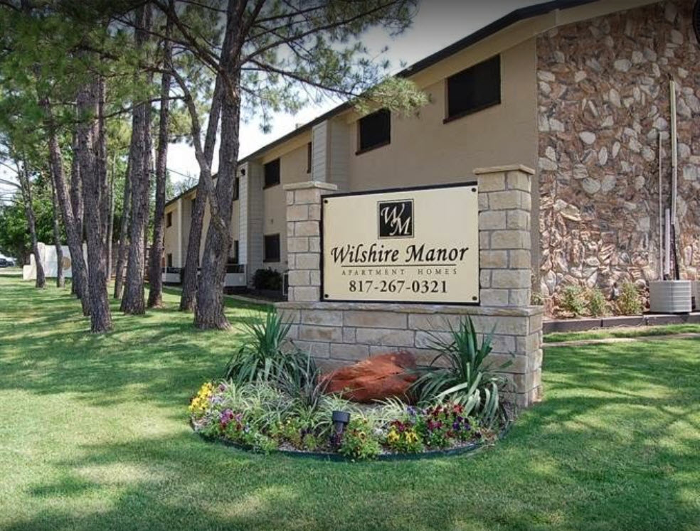 Wilshire Manor at Listing #137309