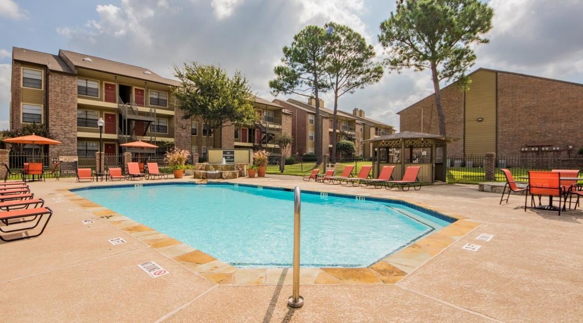 Pool at Listing #136119