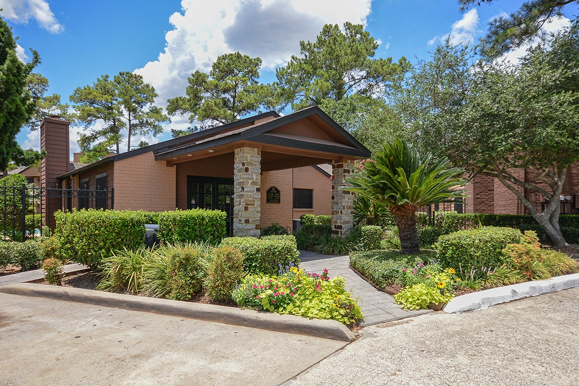 Exterior at Listing #138612