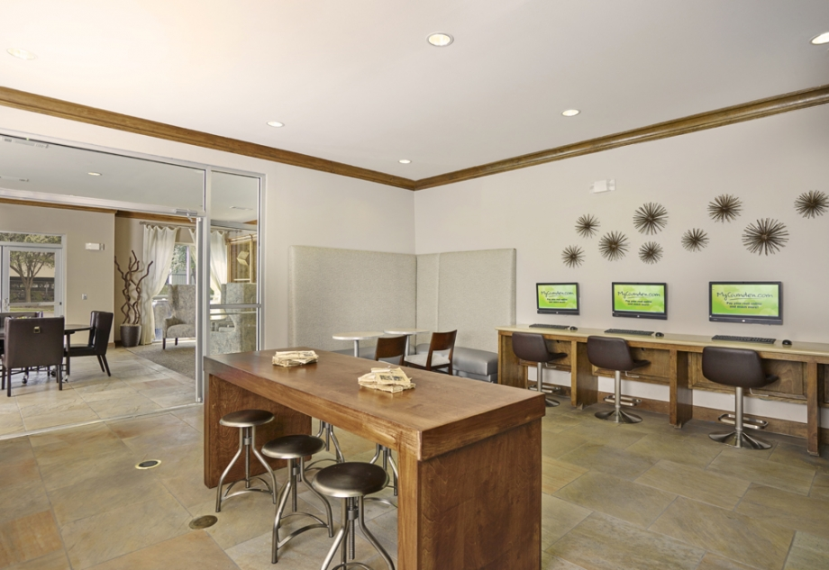 Business Center at Listing #144890