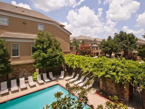 Pool at Listing #137699