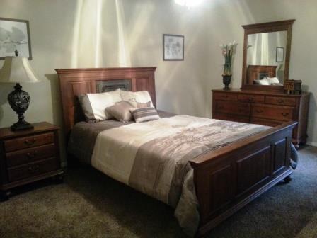 Bedroom at Listing #136922