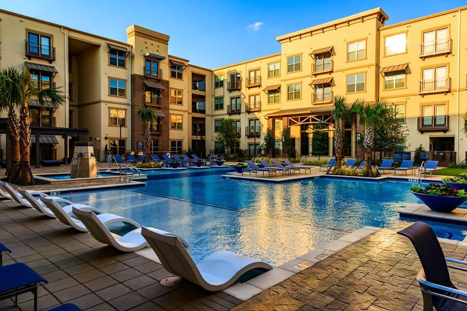 Pool at Listing #292715