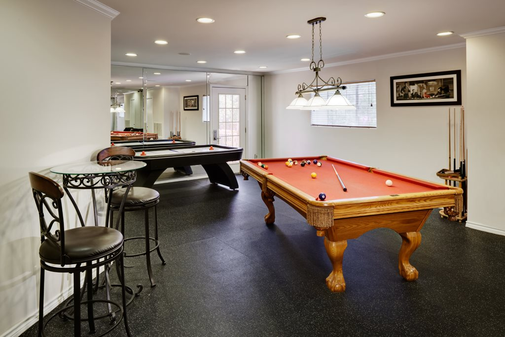 Gameroom at Listing #140175