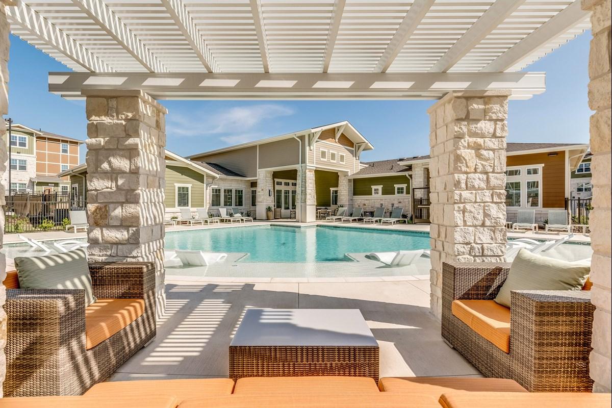 Pool at Listing #287470