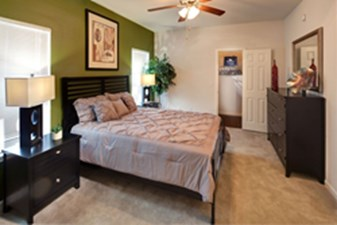 Bedroom at Listing #237358