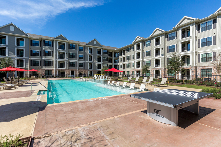 Pool at Listing #281916