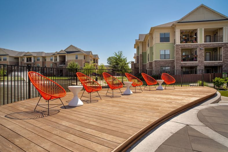 Lounge at Listing #145857
