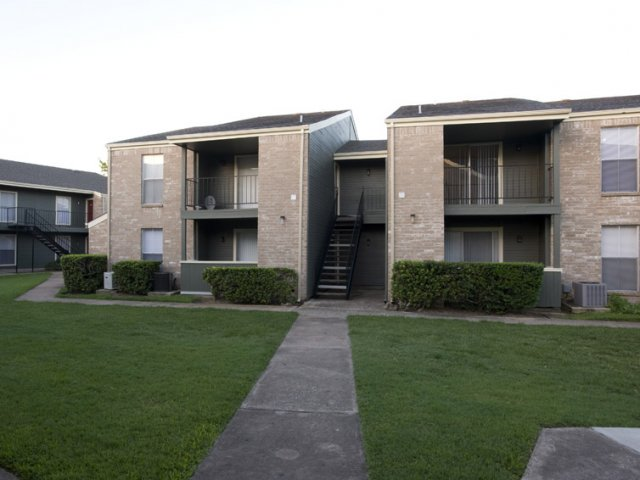 Exterior at Listing #139169
