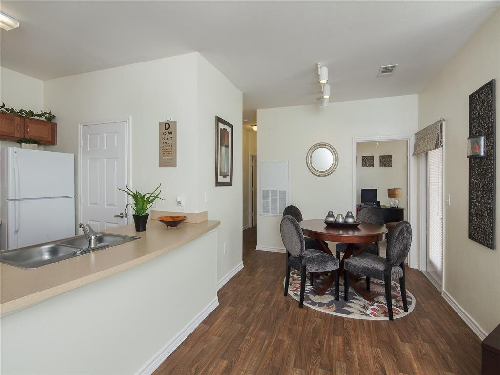 Dining/Kitchen at Listing #150580