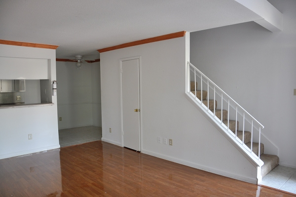 Living at Listing #139711