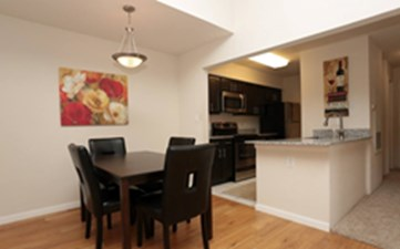 Dining/Kitchen at Listing #140071
