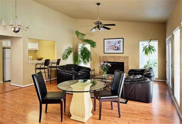 Dining at Listing #138348