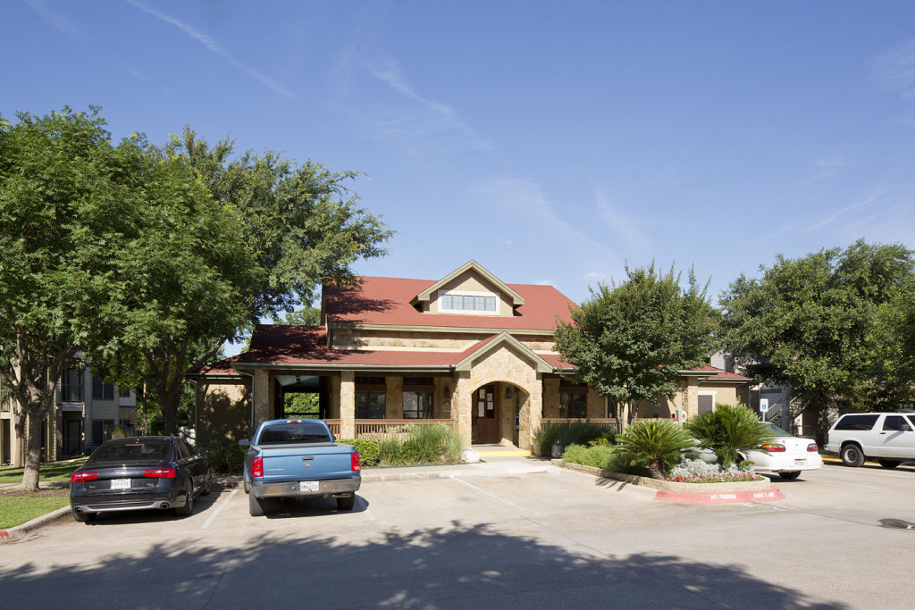 Exterior at Listing #143404