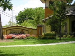 Town Lake Apartments Austin TX