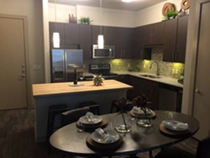 Dining/Kitchen at Listing #267352
