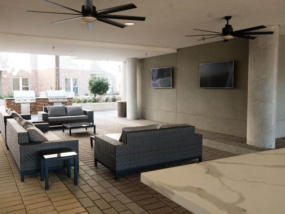 Lounge at Listing #279809