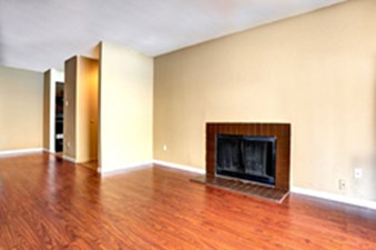 Living at Listing #139871