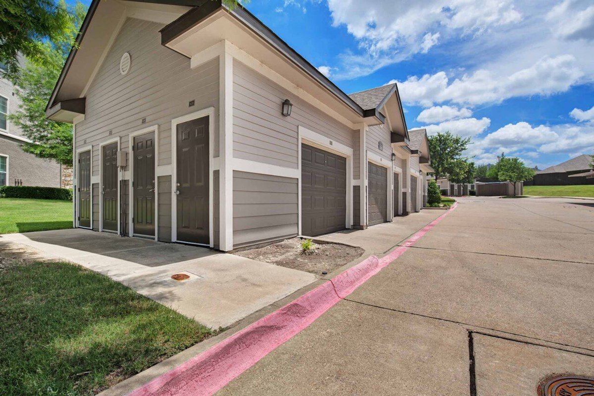 Exterior at Listing #146162