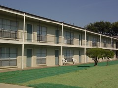 Oak Creek Apartments Garland TX