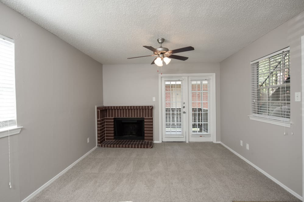 Living Room at Listing #136244