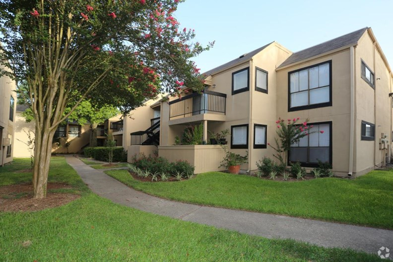 Woodchase Apartments
