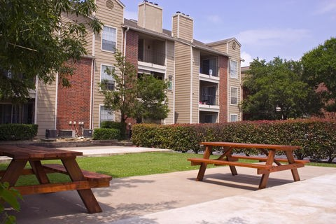 Bradford Pointe Apartments Austin TX