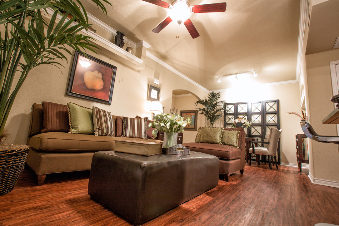 Living at Listing #144538