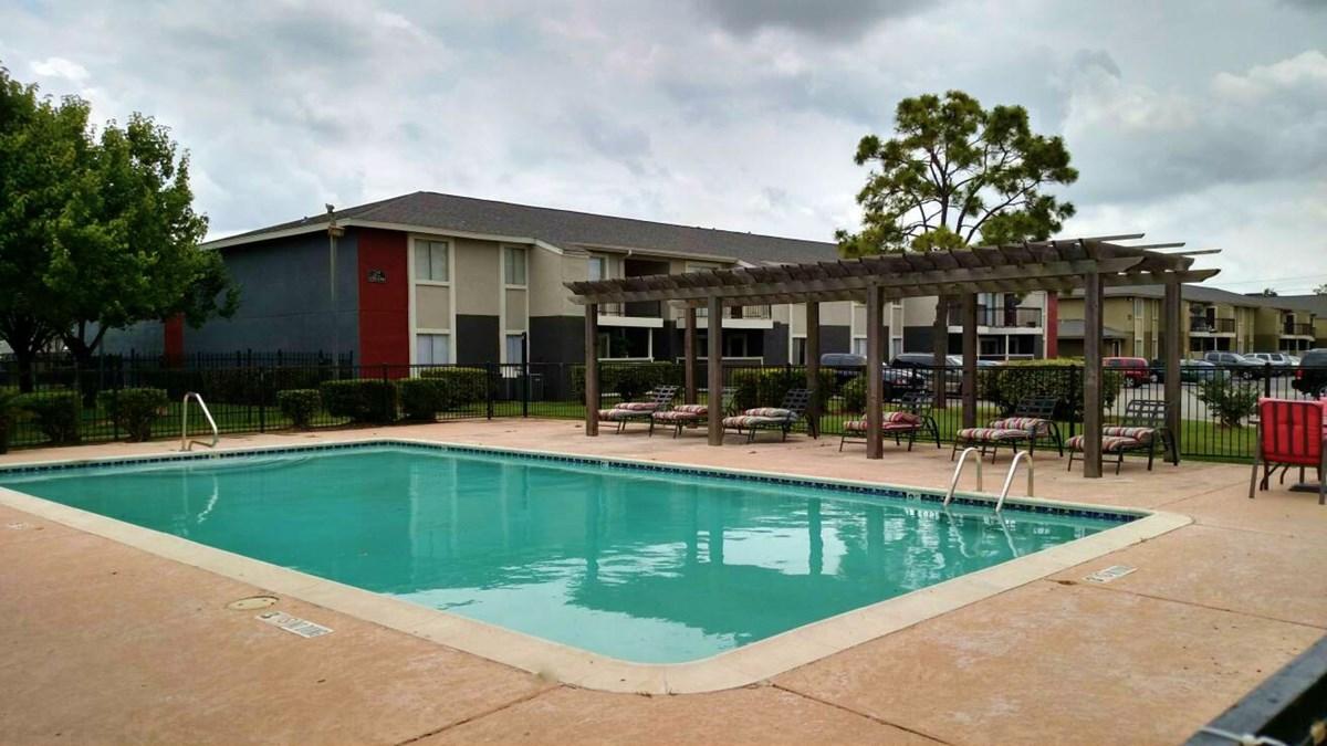 Pool at Listing #138911