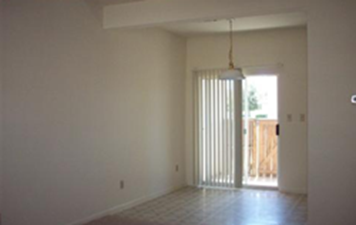 Dining at Listing #140750