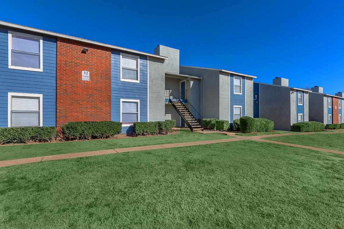Exterior at Listing #136120