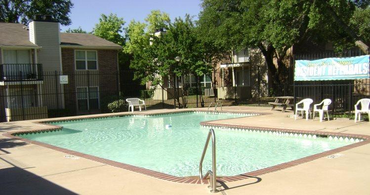 Pool at Listing #137299