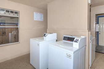 Laundry Room at Listing #140355