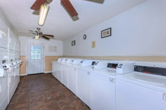 Laundry at Listing #141144