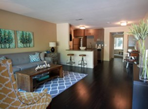 Living Area at Listing #140401