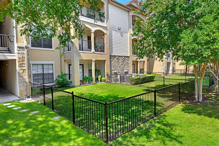 Exterior at Listing #144592