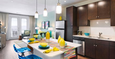 Dining at Listing #253710