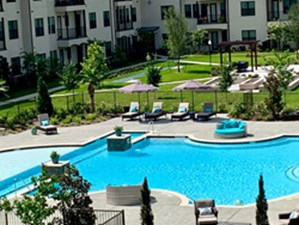 Pool at Listing #311929