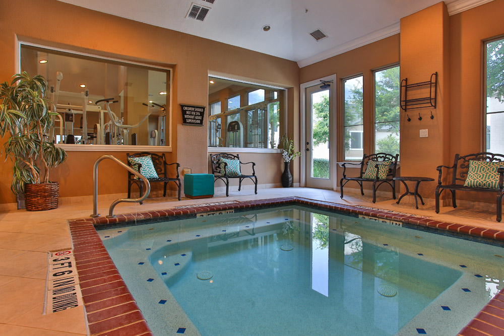 Hot Tub at Listing #144944