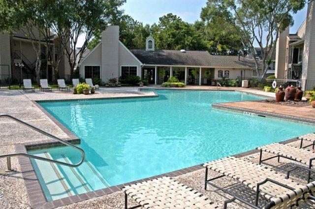 Pool at Listing #138515